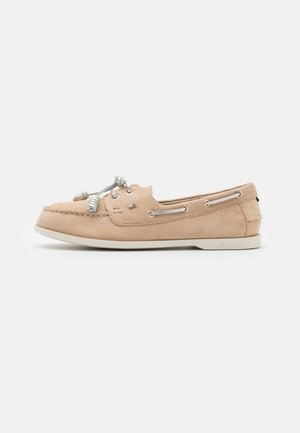 ESSENTIAL BOAT SHOE - Boat shoes - clayed pebble