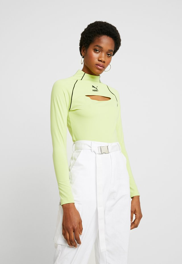 Long sleeved top - sharp green