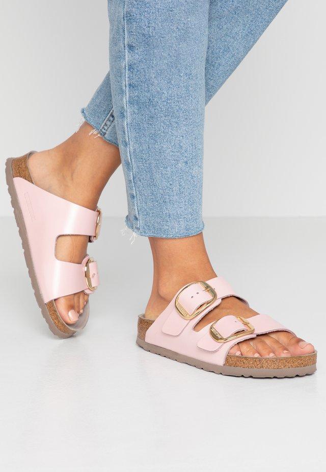 ARIZONA BIG BUCKLE - Pantofole - rose