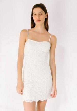 MIT SPITZE  - Pouzdrové šaty - white
