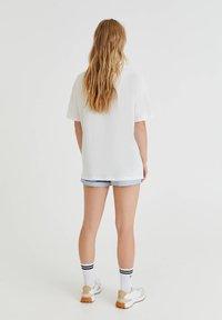 PULL&BEAR - SPACE JAM - Print T-shirt - off-white - 2