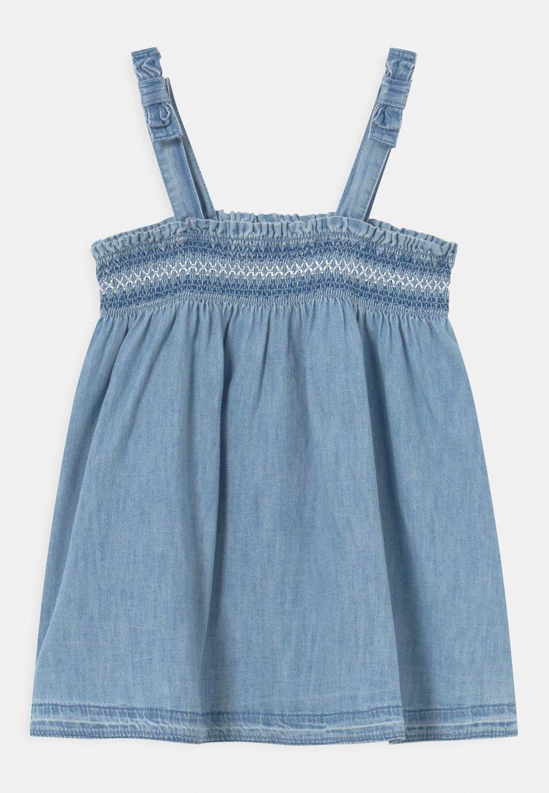 GAP - SMOCK - Denim dress - light-blue denim