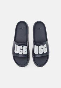 UGG - WILCOX SLIDE - Sandály do bazénu - dark sapphire - 3