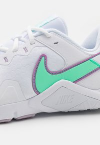 Nike Performance - LEGEND ESSENTIAL 2 - Scarpe da fitness - white/green glow/violet shock/infinite lilac - 5
