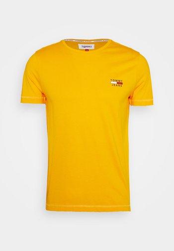 CHEST LOGO TEE - Print T-shirt - orange