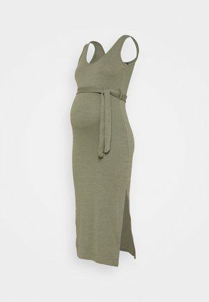 V NECK BELTED DRESS - Žerzejové šaty - khaki