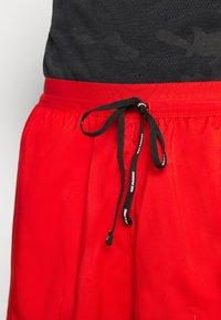 Nike Performance - STRIDE  - Pantalón corto de deporte - chile red/reflective silver - 3