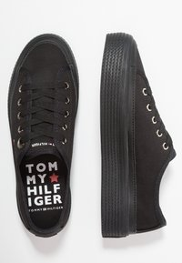 Tommy Hilfiger - CORPORATE FLATFORM  - Baskets basses - black - 3