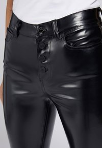 Guess - Trousers - schwarz - 3