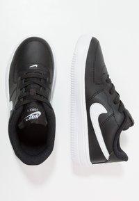 Nike Sportswear - FORCE 1 18 - Sneaker low - black/white - 0