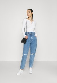 Gina Tricot - PAPERBAG MOM - Relaxed fit jeans - springblue - 1