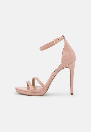 BRYDGET - Sandály na platformě - blush