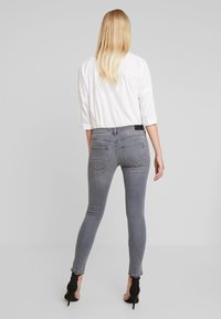 Replay - STELLA - Jeans Skinny Fit - medium grey - 2