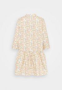 ONLY - ONLCHICAGO MARK FLOWER DRESS - Denní šaty - cloud dancer - 1