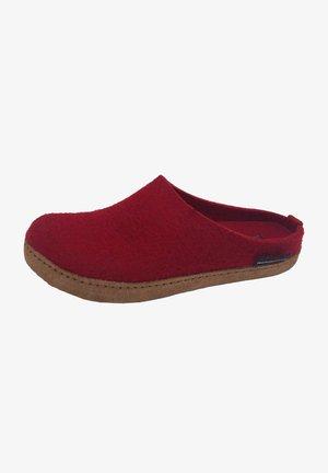 Slippers - rubin