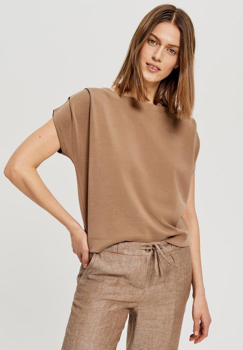 Opus - Basic T-shirt - brown