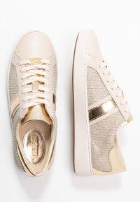 MICHAEL Michael Kors - KEATON STRIPE  - Sneakers laag - pale gold - 3