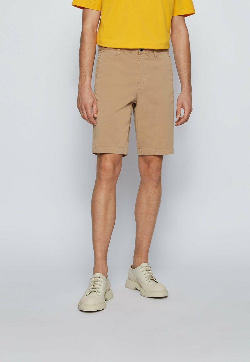 BOSS - Shorts - beige