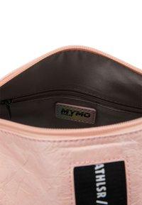 myMo ATHLSR - Sports bag - rosa - 3