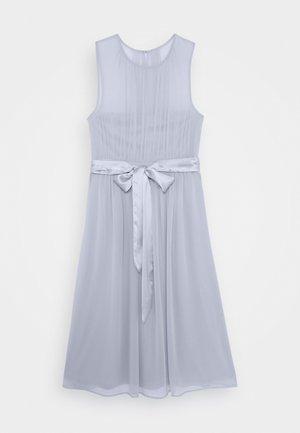SUCH A DREAM MIDI DRESS - Vestido de cóctel - dusty blue
