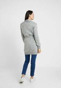 LOVE2WAIT - CARDIGAN CABLE - Chaqueta de punto - grey