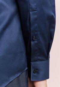 HUGO - C-JASON - Formal shirt - dark blue - 3