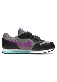 Nike Sportswear - MD RUNNER 2 BPV - Trainers - gunsmoke/black/hyper violet - 3
