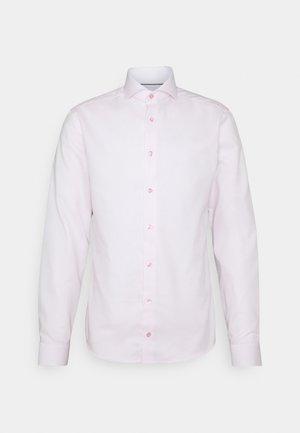 SUPER SLIM - Formal shirt - pink/red