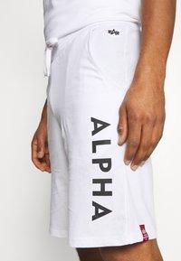 Alpha Industries - LIGHT - Träningsbyxor - white - 4