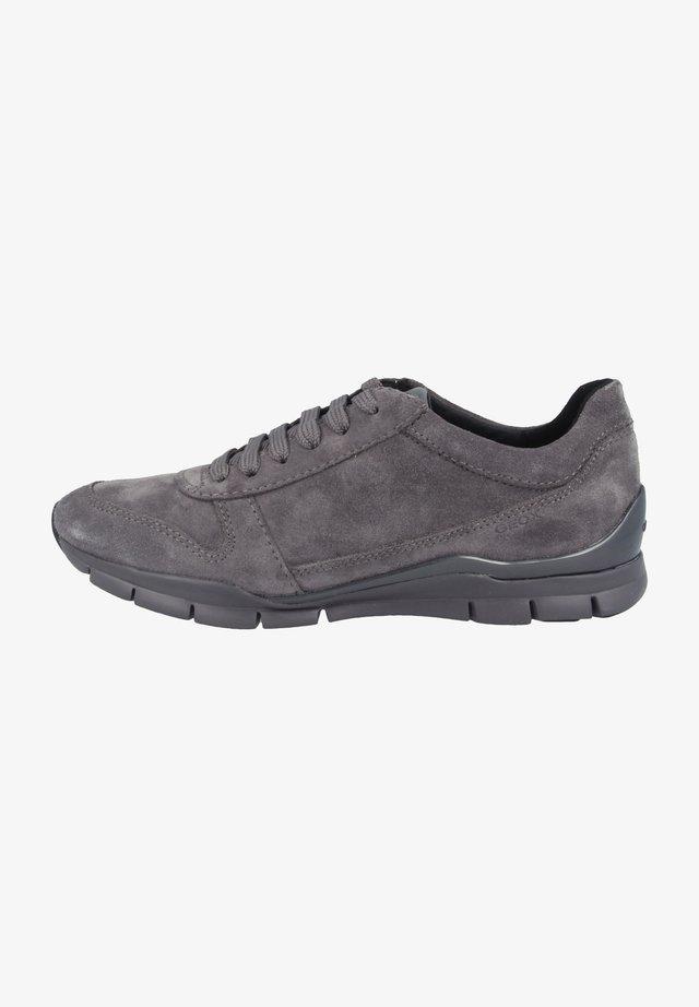 SUKIE - Matalavartiset tennarit - dark grey