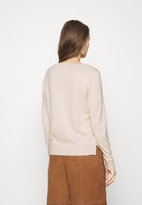 Selected Femme - SLFINKA VNECK - Jumper - birch melange - 2