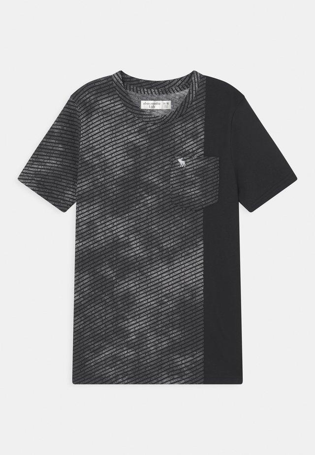 NOVELTY PATTERN - T-shirt con stampa - black