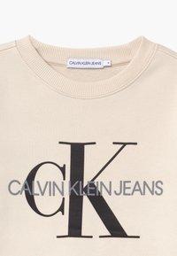 Calvin Klein Jeans - MONOGRAM LOGO UNISEX - Felpa - off-white - 2