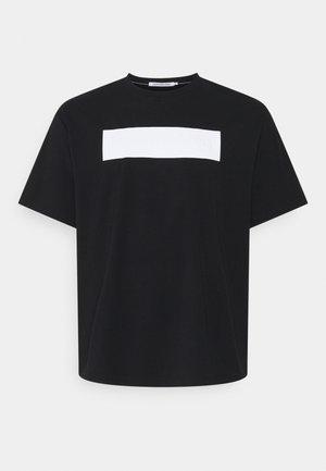 BLOCKING LOGO TEE - T-shirt med print - black