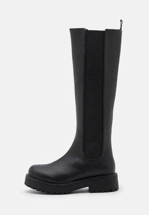 JUDITH BOOT VEGAN - Platform boots - black
