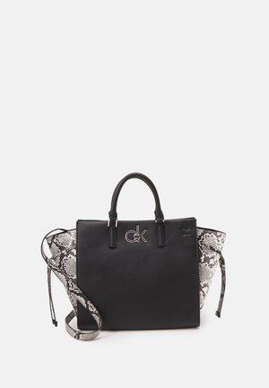 TOTE PYTHON - Handbag - black