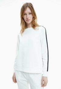 Calvin Klein - Sweatshirt - ecru - 0