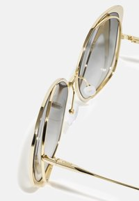 Chloé - Sunglasses - gold-coloured/grey - 2
