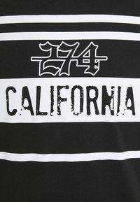 274 - CALIFORNIA ROSE TEE - Triko spotiskem - black - 5