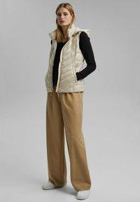 Esprit - MIT 3M™ THINSULATE™ - Waistcoat - cream beige - 1