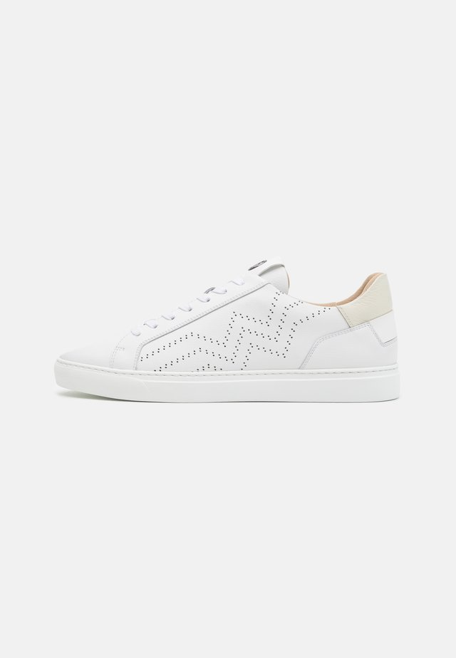 NIZZA - Trainers - white/beige