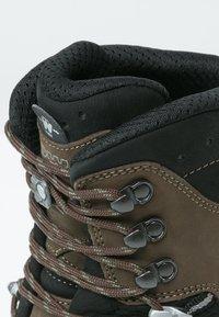 Lowa - TIBET GTX WXL - Mountain shoes - sepia/schwarz - 5