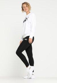 Puma - LOGO CREW - Sweatshirt - white - 1