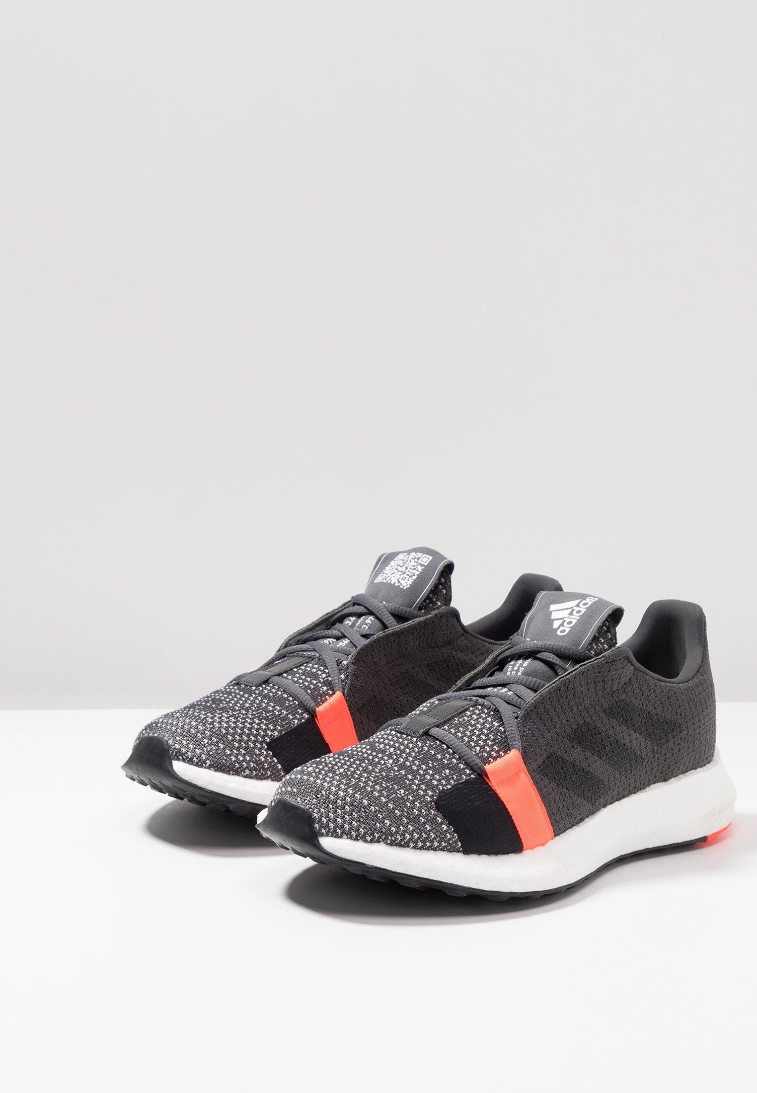 adidas Performance SENSEBOOST GO - Laufschuh Neutral - grey six/core black/solar red/grau - Herrenschuhe SNGSc