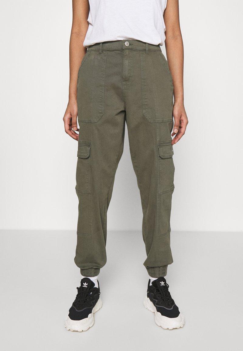 ONLY - ONLGIGI CARRA LIFE  - Pantalones cargo - kalamata