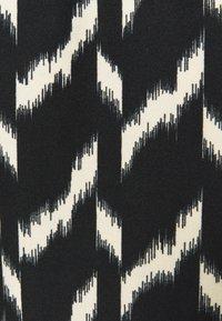 Soyaconcept - GUNBRIT  - Jumpsuit - black combi - 2