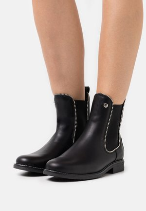 GILLIAN IGLOO STAR  - Zimní obuv - black