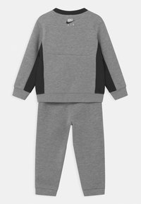 Nike Sportswear - AIR CREW SET - Trainingsanzug - dark grey heather - 1