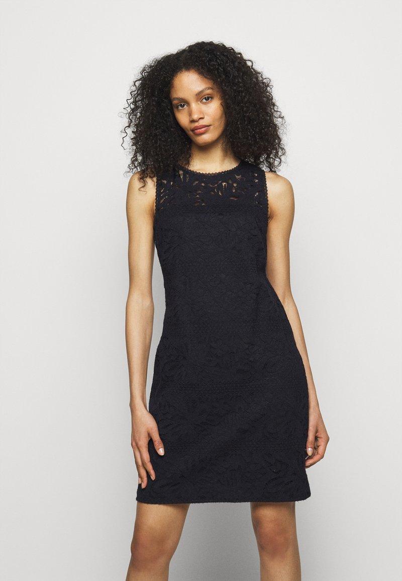 Lauren Ralph Lauren - FLORAL STRIPED DRESS - Shift dress - lighthouse navy