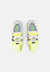 adidas Originals - U PATH RUN - Sneakers basse - white - 3